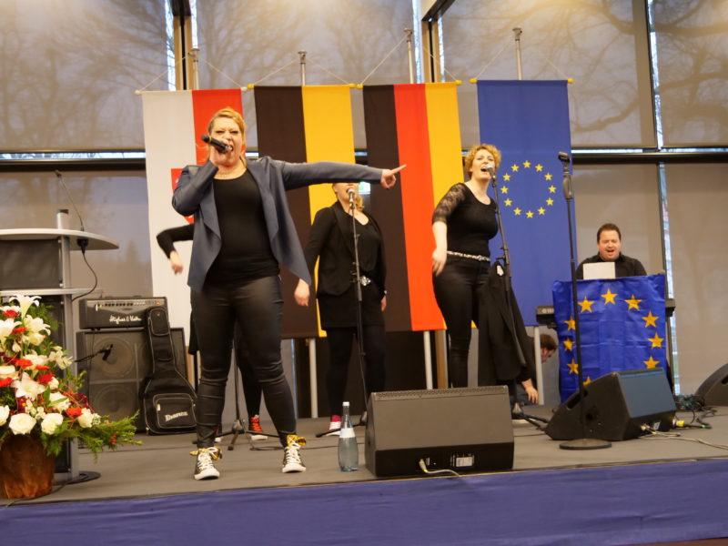 Steffi rockt die Bühne